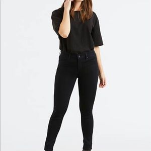 🆕 Levi's Woman 311 Shaping Skinny Jeans
